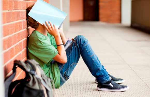 First year early warning signs: How to avoid becoming a dropout statistic
