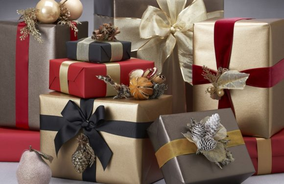 10 tips for buying the best gifts this festive season